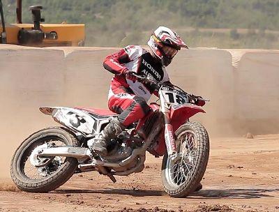 Cardús y Serra dominan en la prueba catalana de la RFME Copa de España de Flat Track