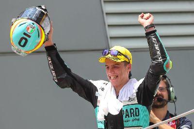 Joan Mir gana en Malasia. El título de MotoGP se decidirá en Valencia