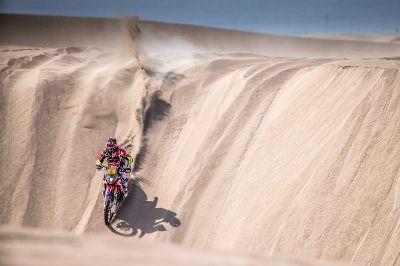 Joan Barreda gana y recupera sus opciones en el Dakar