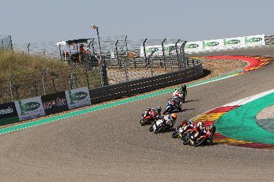 Impresionantes carreras en Motorland del Campeonato de España Cetelem de Velocidad