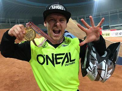 Maikel Melero, pentacampeón del mundo de Freestyle Motocross