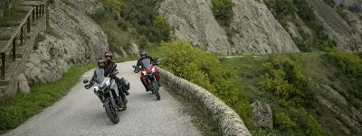 Kilómetros en moto: Mototurismo Touring y MTR