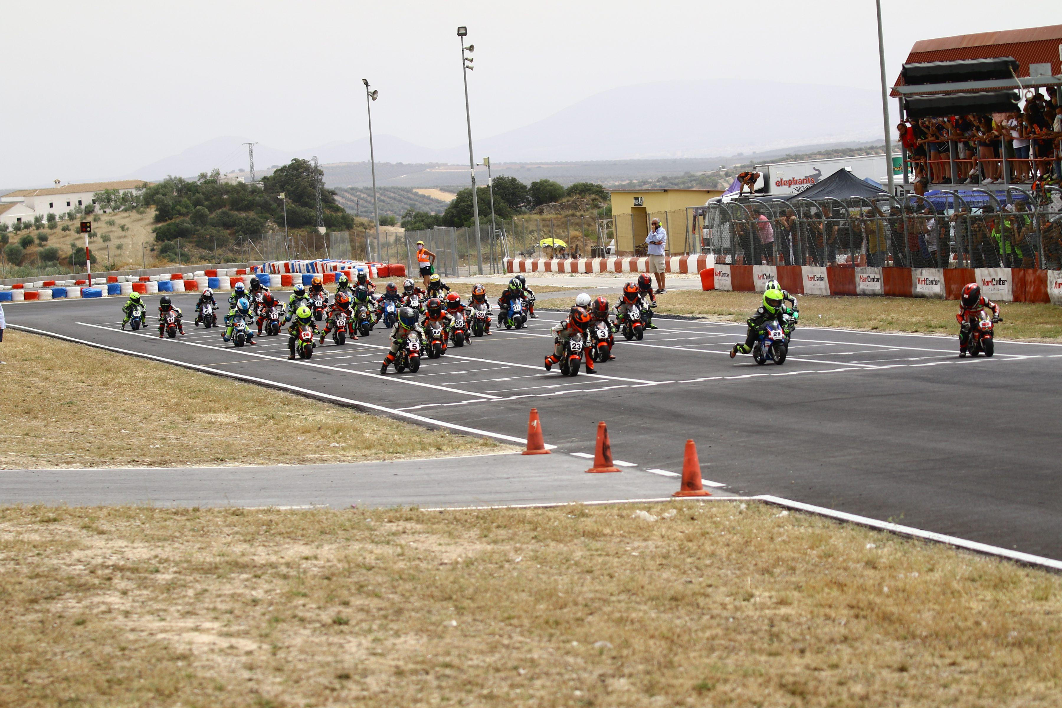 P2 para Alberto Enriquez en FIM MiniGP Spain Series y para Luis Miguel López en Moto5
